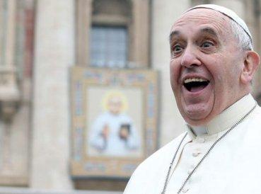 Papa-Francisco-provoca-debate-al-decir-que-quiere-cambiar-el-Padre-Nuestro_369x274_exact_1513007881